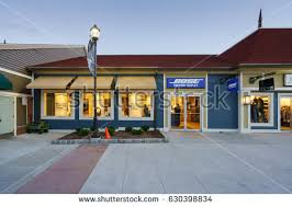 bose outlet store. woodbury, new york - oct 26 : bose factory outlet store at woodbury common premium e