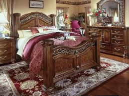 Cordoba 4 Piece Queen Poster Bedroom Suite at HOM Furniture