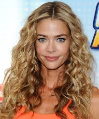denise richards long curly hairstyle