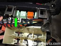 bmw e46 fuse box bmw wiring diagrams under hood fuse box diagram for 2006 bmw 325i at Bmw 325i 2006 Fuse Box Diagram