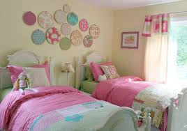 bedroom: Delectable Twin Beds Set In Small Bedroom Using Pink Bedding Color  Also Decorated With