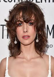 20 Sassy And Sultry Medium Shaggy Hairstyles Haircuts Hairstyles