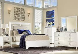 Sofia Vergara Santa Clarita Pearl White 5 Pc Queen Bedroom at