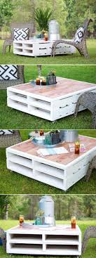 DIY Outdoor Pallet Coffee Table