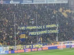 Biglietti Juve Parma: la protesta dei tifosi gialloblu - FOTO