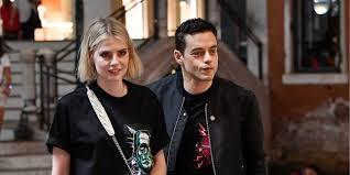 <b>Prada</b> на двоих: Люси Бойнтон и Рами Малек носят одинаковые ...