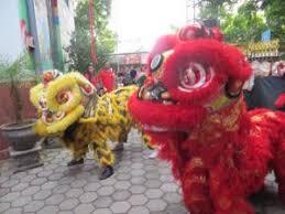 Wǔ lóng) atau disebut juga liong di indonesia adalah suatu pertunjukan dan tarian tradisional dalam kebudayaan masyarakat tionghoa. Barongsai Seni Tradisional Masyarakat Tiong Hwa Kompasiana Com