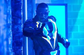 Black Lighting Episode 7 Black Lightning Recap Season 1 Episode 7 Ew Com Ew Com