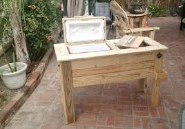 low cost wooden pallet ice chest