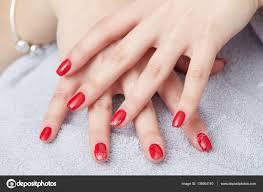 Krásné Ruce S Dokonalé Nehty Francouzská Manikúra Stock