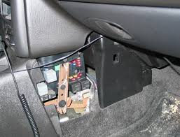 2006 pontiac g6 fuse box diagram on pump relay fuse as well 2006 replaced saturn s series questions turning signals amp fuses cargurus