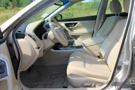 leather seats on the 2016 nissan altima
