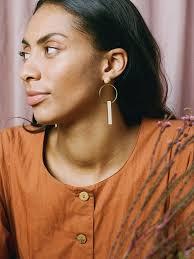 Elara Earrings in Mother of Pearl — Wolf & Moon | Geometric statement  earrings, Earrings, Pearls