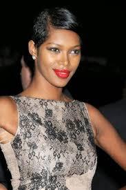 Parfait Cheveux Noir Court Femme Modele De Coupe De Cheveux