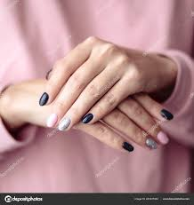 Nádhernou Manikúru Pastelové Zadávací Růžové Barvy Nehty Detailní