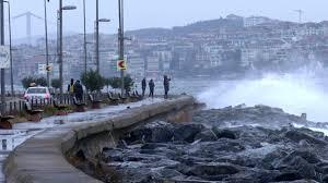 AKOM ve İBB'den İstanbul'da fırtına uyarısı - İstanbul