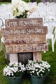 DIY Outdoors Wedding Ideas - Pallet Sign For Outdoor Wedding - Step by Step  Tutorials and