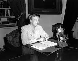 doris kearns goodwin ph d academy of achievement 11 1944 first lady eleanor roosevelt 1884 1962 speaks into
