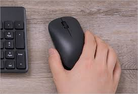 <b>Xiaomi</b> launches the <b>Mi Wireless</b> Mouse Lite with a minimalist ...