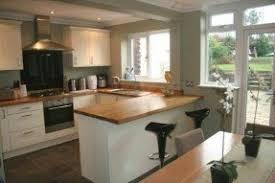 Kitchen with breakfast bar 1