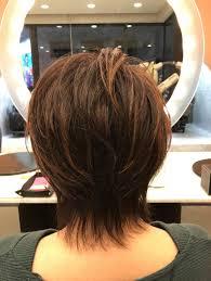 40代50代60代ヘアスタイルショートハイライトカラー 髪型