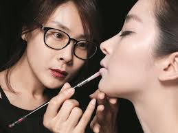 professional makeup service by korean celebrities makeup artist in seoul trazy korea s 1 travel guide