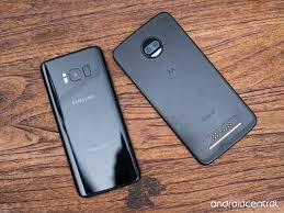 moto 2 z force. the camera comparison here is interesting because moto z2 force has a new setup with dual lenses but ostensibly lower overall specs on them. 2 z