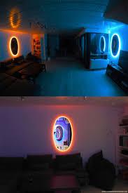 game room lighting ideas. decoracin creativa al estilo del videojuego portal con espejos y luz de nen game room lighting ideas