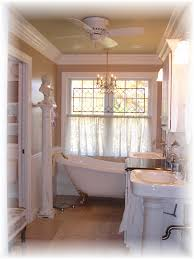 Choose Pedestal Sink For Small Master Bathroom - Small master bathroom