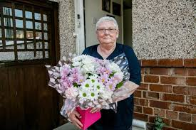 Bouquet of the week to woman who runs a Darlington foodbank | The Northern  Echo