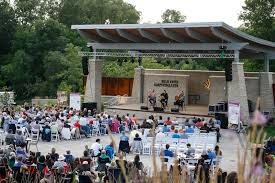 the sounds of nashville at green bay botanical garden on 8 3 18