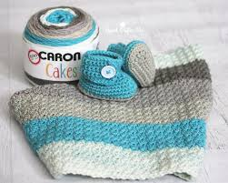 Caron Cakes Yarn Patterns Free Gorgeous Caron Cakes Yarn Button Baby Booties And Blanket Repeat Crafter Me