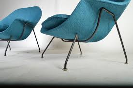 Early 1950s Pair of Eero Saarinen Womb Chairs with Ottoman for Knoll 2