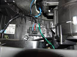 sparky s answers 2006 jeep grand cherokee blower only works on high after unplugging the harness connector from the blower resistor the main problem was quite evident the damage to the terminal of the blower resistor is
