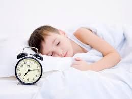 Tập cho trẻ ngủ đúng giờ: bé khỏe, ba mẹ nhàn tênh