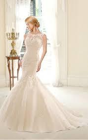 wedding dresses for curvy women dorris wedding