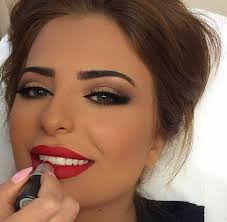 neutral makeup with red lips