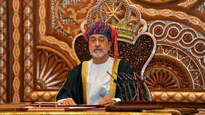 سلطان عمان يصل إلى السعودية في أول زيارة خارجية له... ومحمد بن سلمان  يستقبله... فيديو - Sputnik Arabic