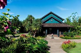while inner accord can seem unatnable when glimpsed from the daily milieu of modern life these three retreats on the big island maui and o ahu let you