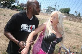 A blonde doing her black friend from Axel