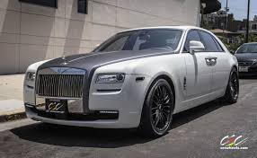 rolls royce ghost matte black. matte black finish rolls royce ghost with staggered 22