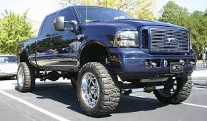Love this truck...Ford F250 Harley Davidson style. Wish they had ...
