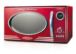 nostalgia rmo400red retro 0 9 cubic foot 800 watt countertop microwave oven retro red
