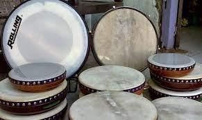 Identik dengan sholawatan karena konon wali songo menggunakan rebana sebagai salah satu. 17 Contoh Alat Musik Ritmis Pengertian Fungsi Jenis Gambar