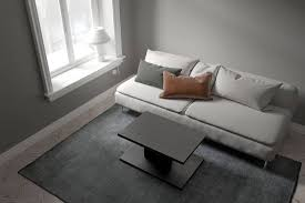 what color floors go with gray walls