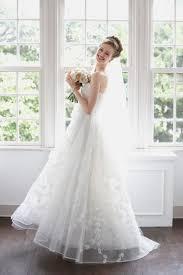 優しい印象のおでこだしヘアで世界一可愛い花嫁になる Marryマリー