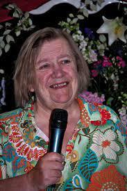 Clarissa Dickson Wright - Wikipedia