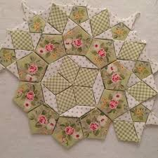 Best 25+ English paper piecing ideas on Pinterest | Hexagon quilt ... & Best 25+ English paper piecing ideas on Pinterest | Hexagon quilt, Hexagon  quilting and Hexagons Adamdwight.com