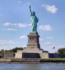 Resultado de imagem para a estatua da liberdade