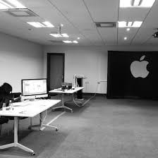 apple office. A Rather Sparsely-populated Office Space. Apple